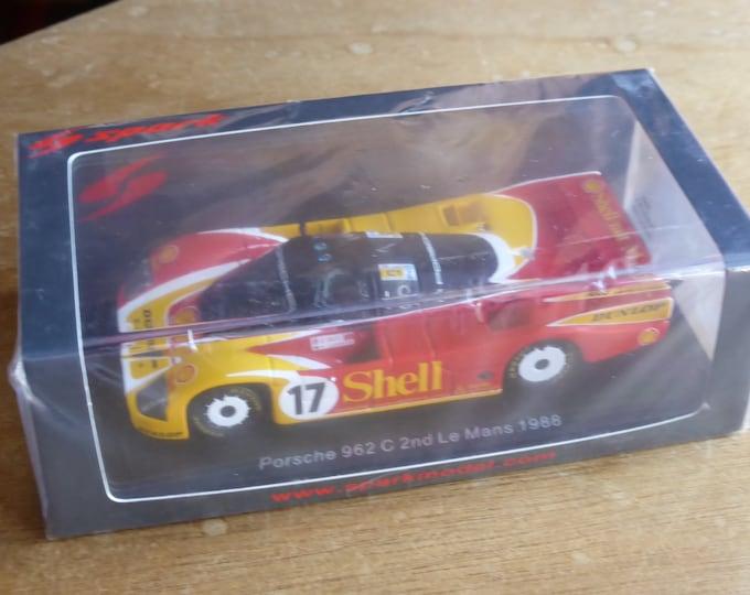 Porsche 962C Gr.C Shell-Dunlop Le Mans 1988 #17 Stuck/Bell/Ludwig Spark S0901 still sealed 1:43 SHIPPING OFFERED