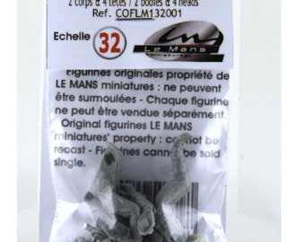 rally driver and codriver (with two type of helmets) resin figures for slot cars systems KIT Le Mans Miniatures 1:32 COFL132001