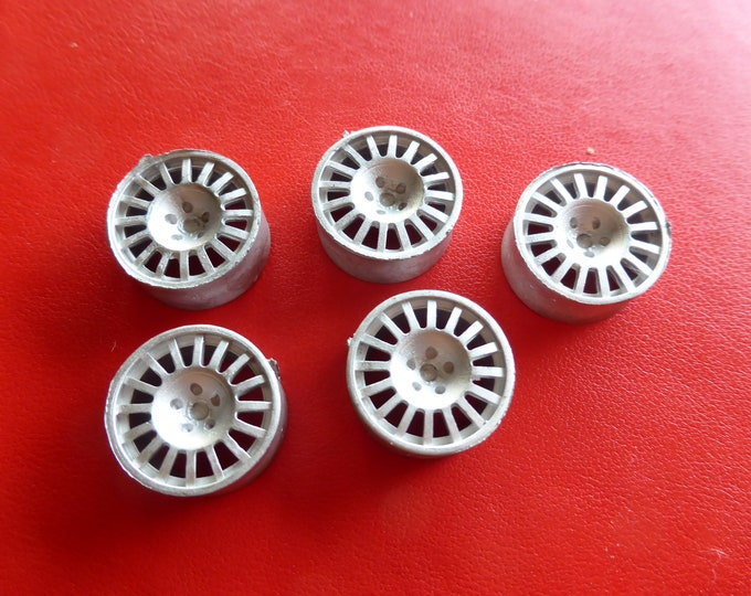Pack of 5 white metal  16-spokes wheels for racing/rally cars Racing43 Big-A-025 1:24