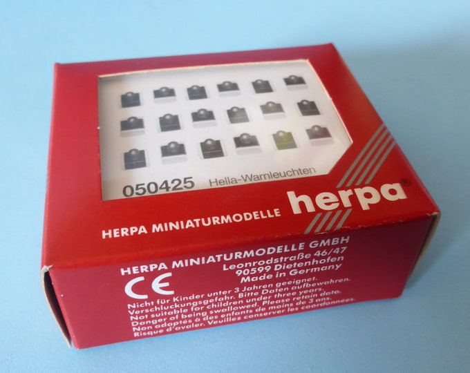 Set of Hella Warnleuchten (blue with red or green sides on white base) Herpa 050425 H0 1:87