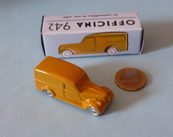 Fiat 1100 BLR Van 1948 in ochre Officina942 new vintage small diecast model in 1:76 (00) scale new in box #1002C