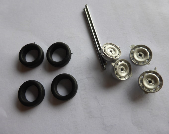 white metal 10-holes wheels set for Fiat, Lancia and other road cars of the 50/60s Carrara Models 43