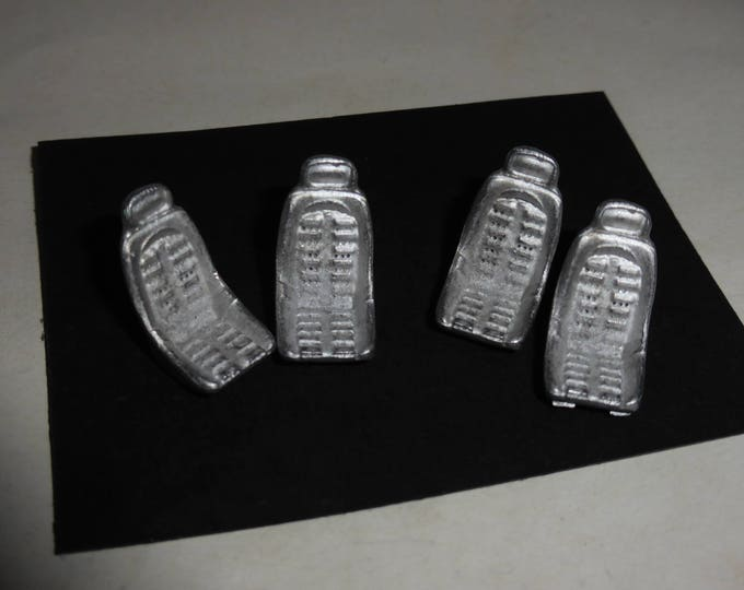 Pack of 4 white metal sports seats for Ferrari Daytona and other cars of the 70s 1:43 Remember SP40