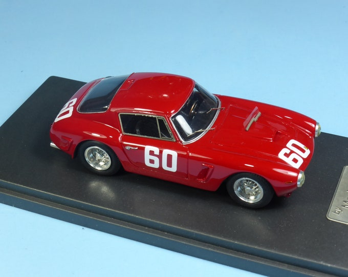 Ferrari 250 GT SWB 2417GT works car 1000km Nurburgring 1961 #61 Baghetti/Mairesse Madyero by REMEMBER Models 1:43 - Factory built