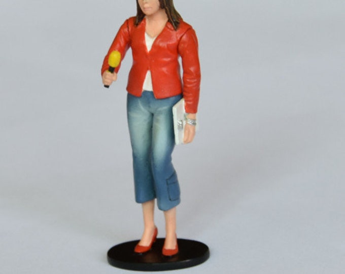 she-journalist handpainted resin figure for slot cars systems Le Mans Miniatures 1:32 FLM132049M