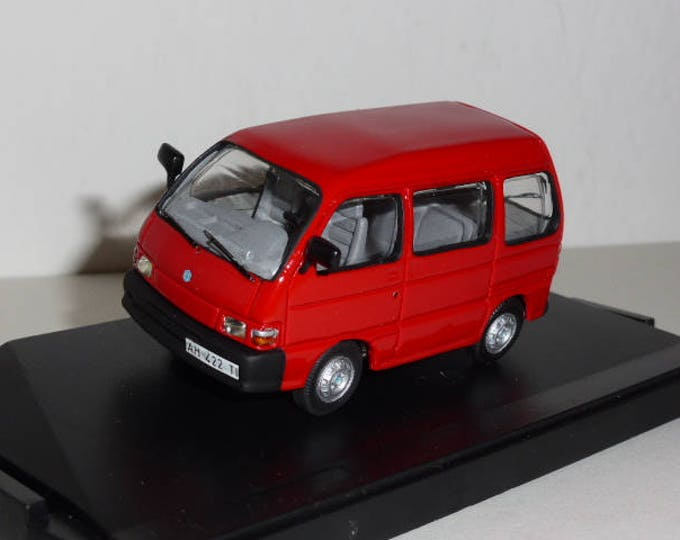 Piaggio Porter first series Mini van - Remember models handcrafted 1:43 - Resin miniature - Handmade in Italy scale model
