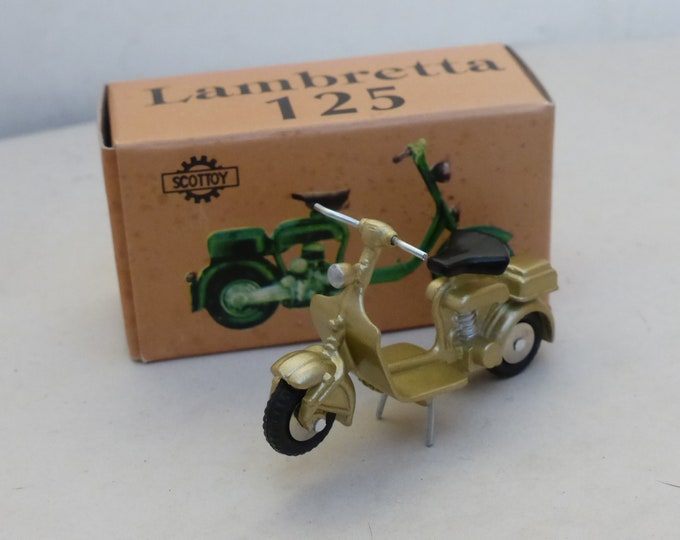 Lambretta 125 1-seat light metallic gold - Scottoy limited edition model 1:43 - Brand new in box