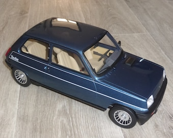 Renault 5 Alpine Turbo 1982 metallic blue OttOmobile G054 1:12 resincast model as new