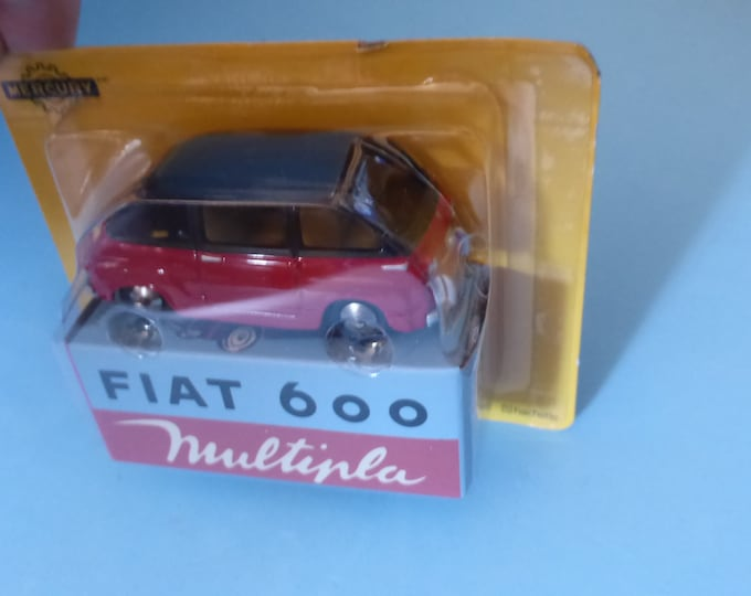 Fiat 600 Multipla red/black Mercury copy by Hachette for Italian market 1:48 brand new in box