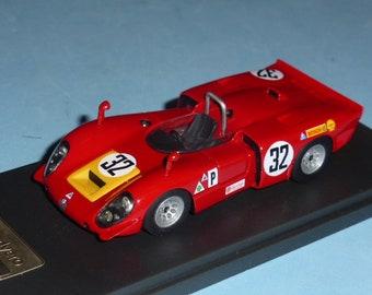 Alfa Romeo 33/3 Sebring 12 hours 1969 #32 Casoni/DeAdamich/Surtees Madyero by Remember 1:43 Factory built
