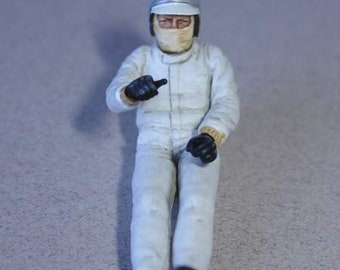 sitting racing driver of the 60-early 70s resin figure built and painted Le Mans Miniatures 1:32 FLM132002M