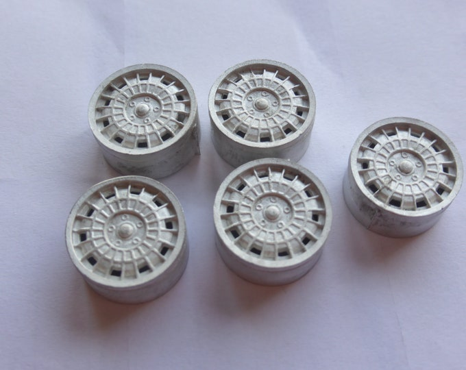 Pack of 5 white metal  wheels for racing/rally cars Lancia Stratos etc Racing43 Big-A-059 1:24
