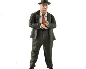 Alfred Neubauer 50s 1:18 high quality figure with adjustable hands Le Mans Miniatures FLM118039