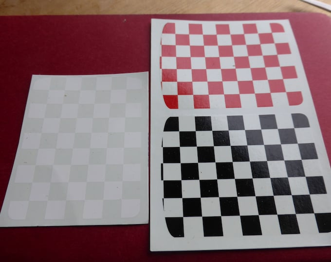 Chequers for racing/sports cars such as Abarth etc. 1:18 and other scales red/black/white [03DE18]