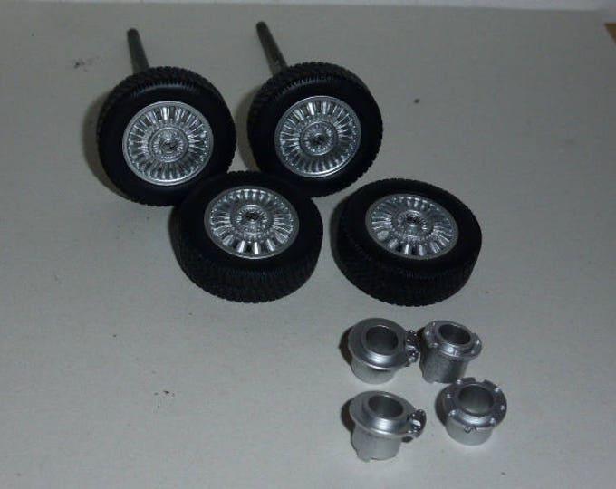 "Set of 4 wheels + tires + brake discs + axles Alfa Romeo ""millerighe"" Type B Laudoracing 1:18"