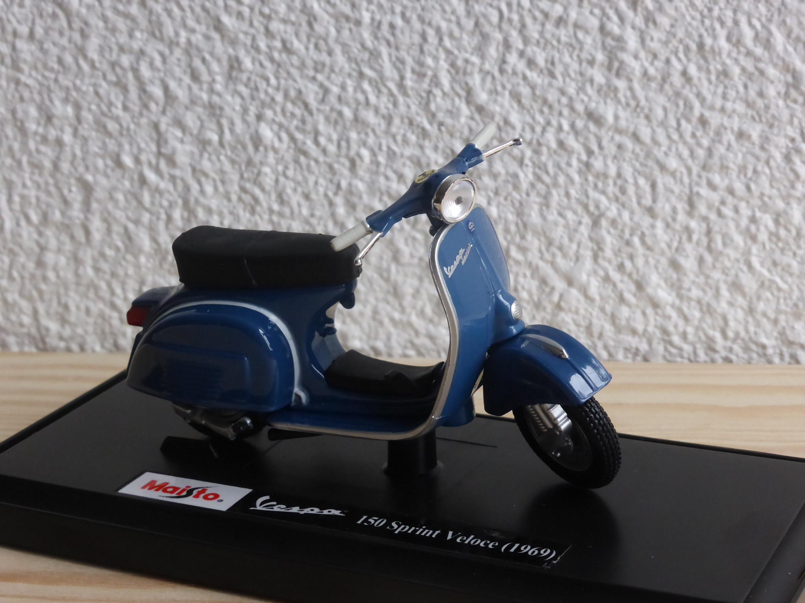 Roller 1:18 Vespa Scooter 150 Sprint Veloce 1969 Maisto mit Wunschkennzeichen