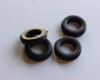 Set of 4 tires, threaded - Model car accessories - Scale model tires - 1:43 tires - 3x13.1x7.8mm - #4341