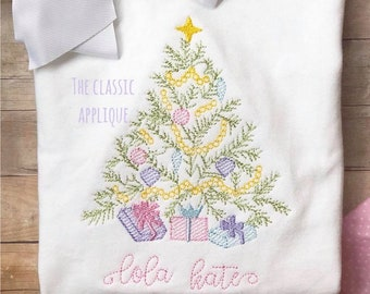 Christmas tree with presents and star vintage stitch, sketch fill quick stitch machine embroidery design file