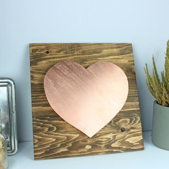 Coeur or rose sur bois, chambre d\'enfant bois rustique, décoration ...