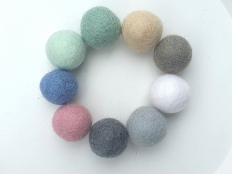 3 cm Felt balls