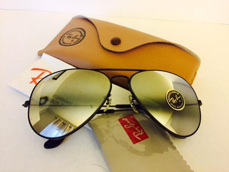 c3ac33c79450 Vintage aviator ray ban NOS bausch lomb usa 62mm w  case