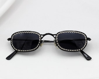 f3f8a0dba46d4 Tiny Oval 90 s sunglasses