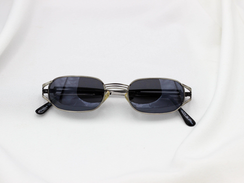 3b9d31b079cd Square Metal Frame 90s Grunge Sunglasses vintage rectangle | Etsy
