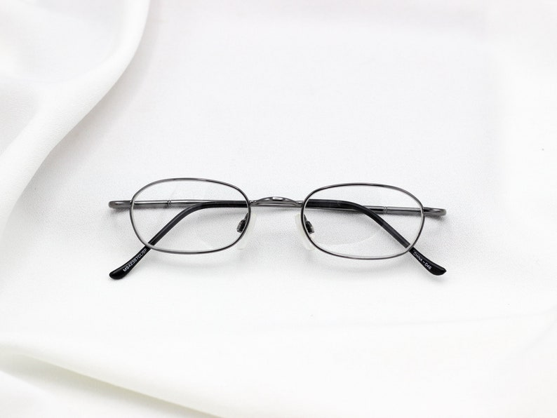 c9e2356e507 Tiny Nerd Square Glasses Small 90 s Clear Lens Eyewear