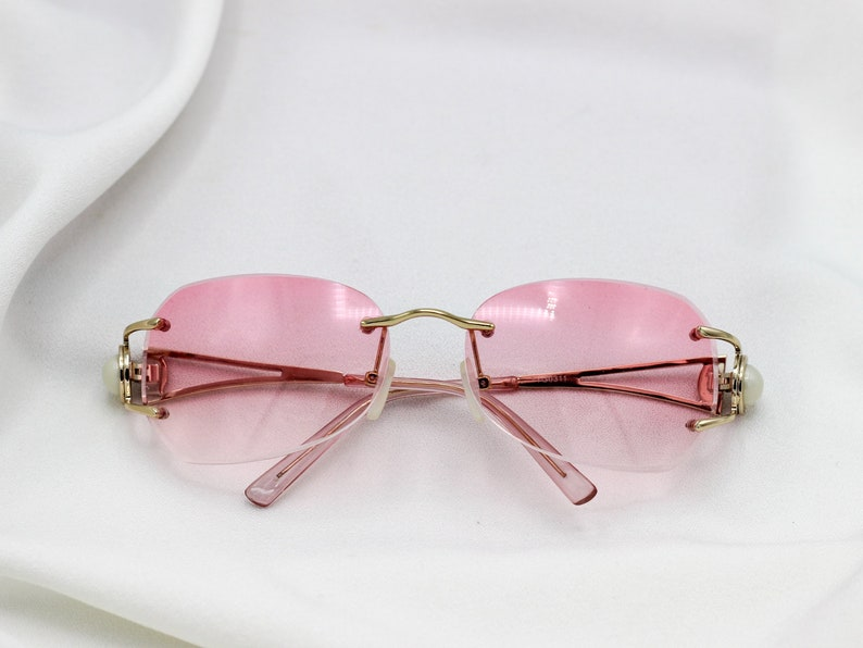 31899221e8 Round 80 s pink sunglasses gold frame gradient clear