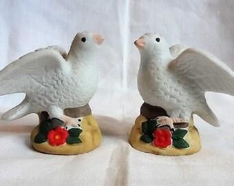 Set of Vintage Salt & Pepper shakers - Turtle Doves