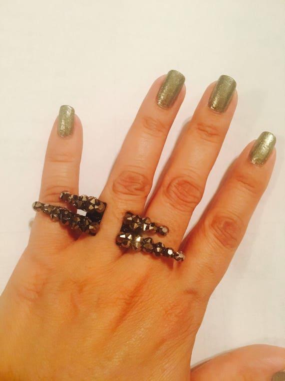 Single spike ring,spike midi ring,filigree ring,Knuckle ring,spike ring,silver spike ring,silver filigree,clear crystals,adjustable.