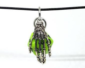 Mage Hand Nat 20 Pendant - Dungeons and Dragons Pendant - D&D Dice - Dice Pendant