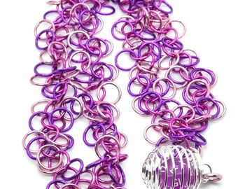 Glam Shaggy Loops Chainmaille Removable Mini D20 Necklace