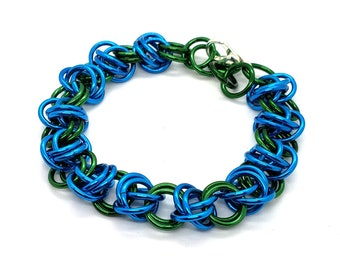 Gaia Chainmaille Bracelet - Handmade - Green and Turquoise - Mother Earth