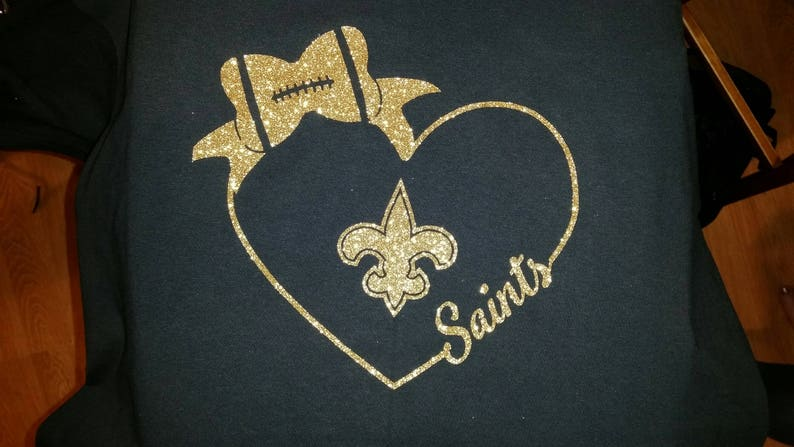 Team T-shirt  Heart and bow image 0