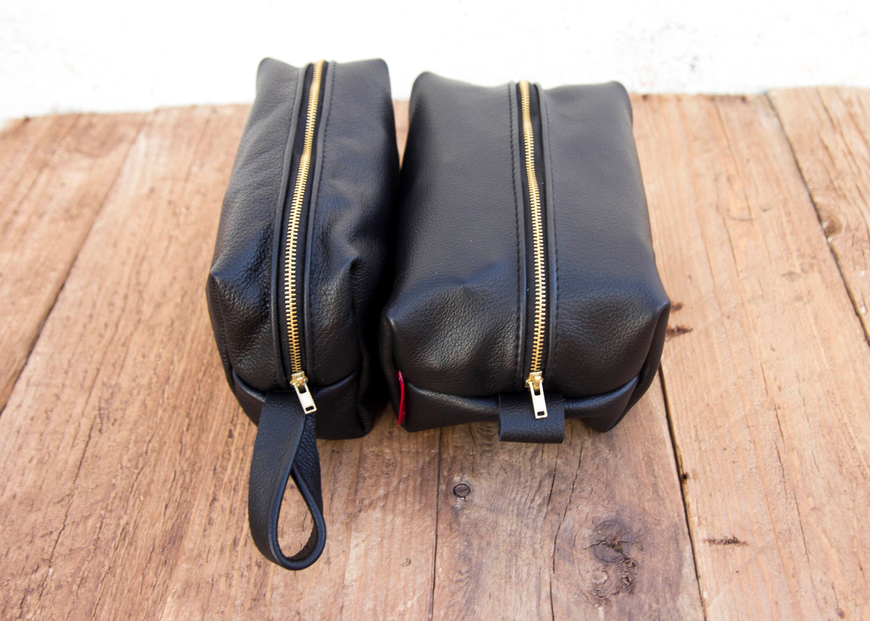 d4a011cd0a4f Full Grain Black Leather Toiletry Bag   Wash Bag   cosmetic