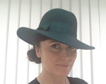b176686ae3a Vintage 1970s Bermona Trend Green Woolen ladies Fedora hat
