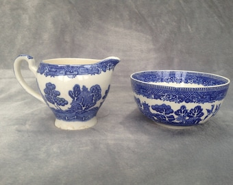 Old Willow pattern milk jug and sugar bowl set by Alfred Meakin.  Circa 1930s