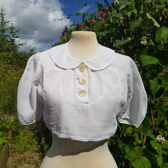 Vintage 30s white stripe cotton blouse with puff s
