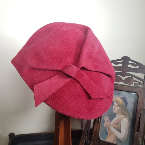 30s raspberry red-pink beret by Charter Hats