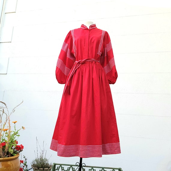 Red 80s folk dress, cotton, balloon sleeves Mexica