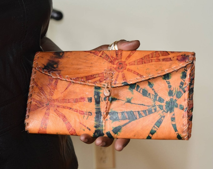 Leather wallet for women.