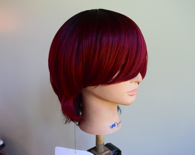 Synthetic Cap, Classic Short Curly Wig, Bangs Natural Wavy.
