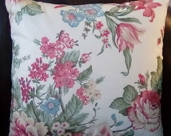 """18""""x18""""pink floral pillow cover with zipper."""
