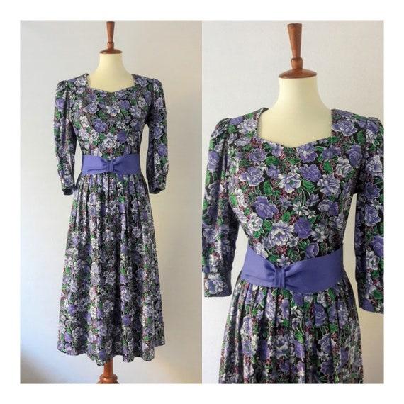 1980s Vintage Periwinkle Blue Floral Dress / Lanz