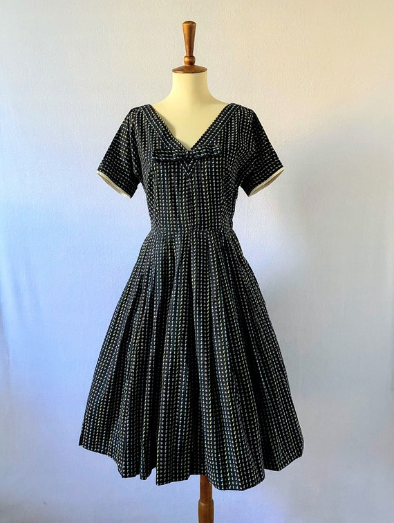1950s Vintage Black and Floral Fit-and-Flare Dres… - image 2