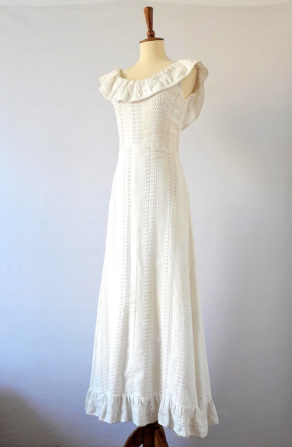 1970s Vintage White Cotton Boho Maxi-Dress / Boho… - image 3