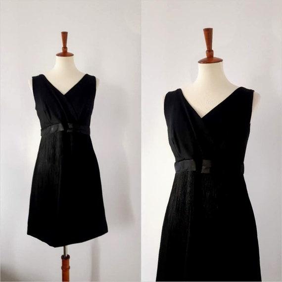 1960s Vintage GoGo Style Tassel Dress