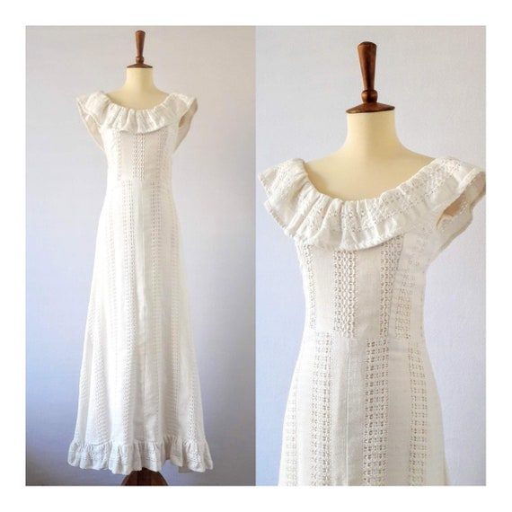 1970s Vintage White Cotton Boho Maxi-Dress / Boho