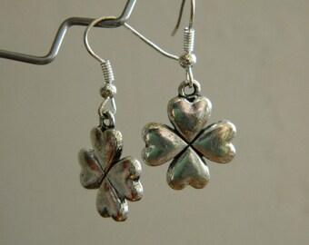Metal clover earrings